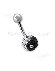 Piercing ying et yang de nombril