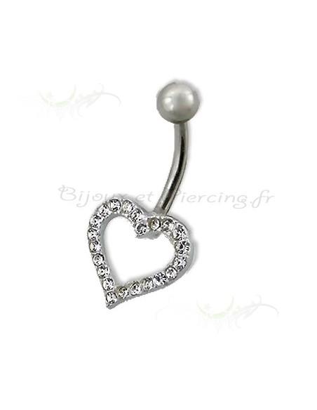 Un coeur en argent pour ce piercing de nombril