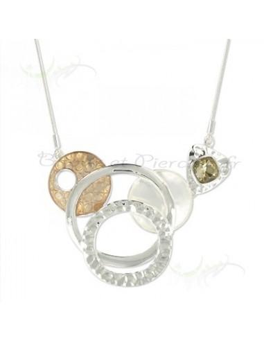 Collier fantaisie anneaux entremêlés