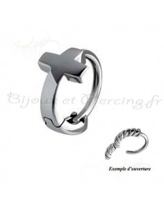 anneau acier croix oreille